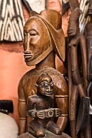 Issyra Gallery